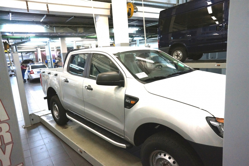 Пороги алюминиевые (Alyans) Ford Ranger (2012-) 4 дв., FORN471971