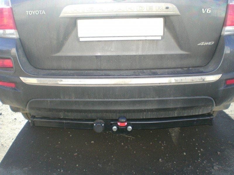 Фаркоп для Toyota Highlander (Тойота Хайлендер) (2010-2013) крюк тип F ( грузоподъемность 1500 кг) б