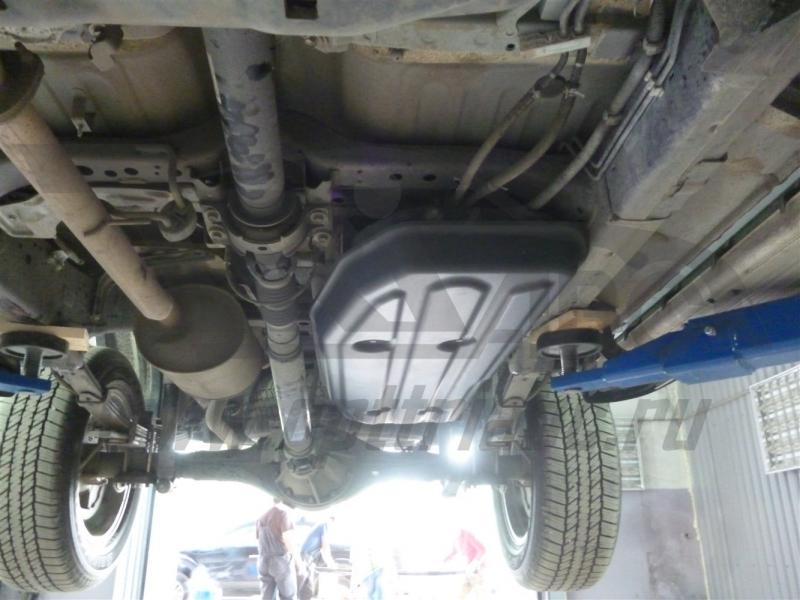 Защита топливного бака Toyota Hilux (2015-) (Композит 8 мм), 2498K