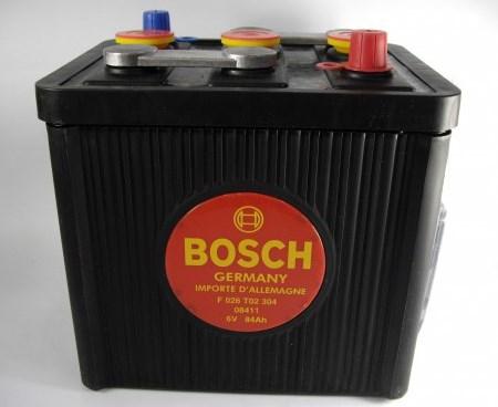 Аккумуляторная батарея Bosch Classic, 6 В, 84 А/ч, 390 А, F026T02304