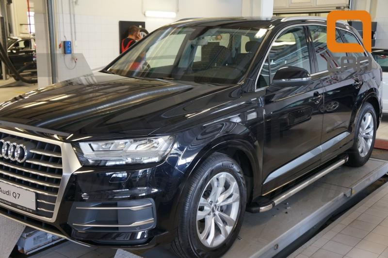 Пороги алюминиевые (Brillant) Audi (Ауди) Q7 (2015-) (черн/нерж) без панорамной крыши, AUQ7480027
