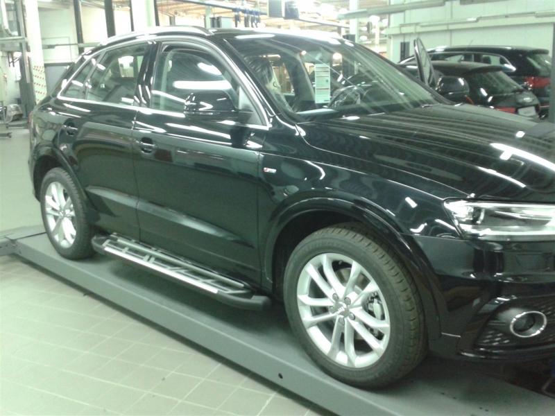 Пороги алюминиевые (Corund Silver) Audi (Ауди) Q3 (2011-), AUQ3533325