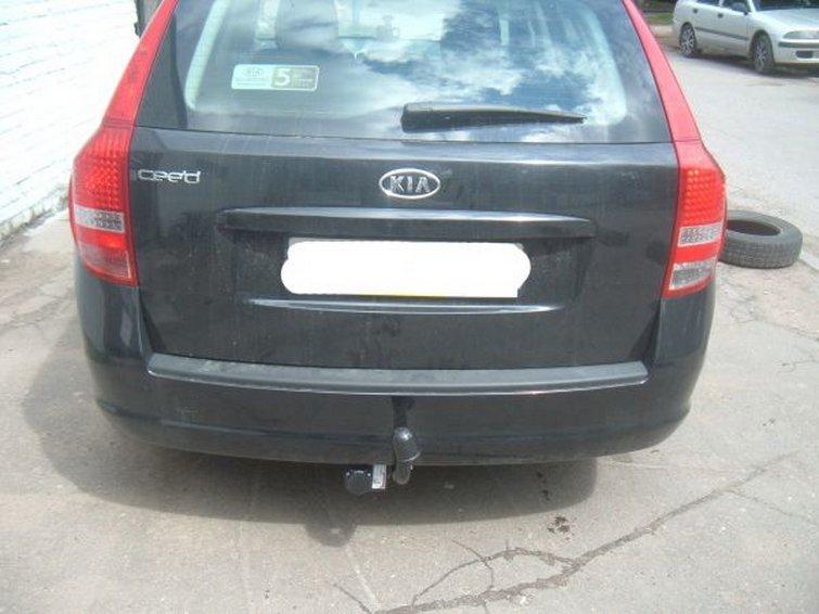 Фаркоп для Kia Ceed (Киа Сид) Sporty Wagon (универсал) (2007/10-2012), BOSAL, 6736A