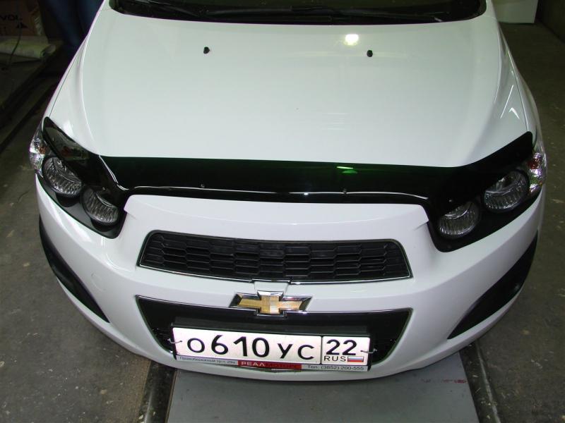 Дефлектор капота Chevrolet Aveo (Шевроле Авео) (2012-) (темный), SCHAVE1212