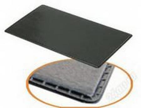 KIOKI  Коврик на приборную панель противоскользящий 173х97мм черный